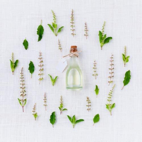 Les huiles essentielles pour se soigner naturellement - Aromathérapie - Secrets de Miel