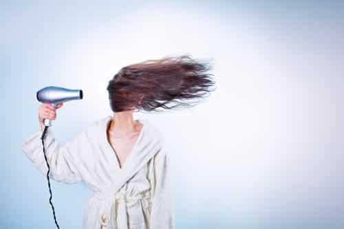 Shampooing - naturel - bon pour les cheveux - produtis naturels - huiles essentielles - citron - oeufs - vinaigre - Secrets de Miel