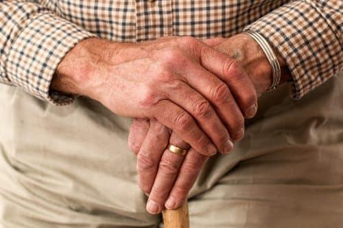 Prendre soin de ses mains - les mains révélateur de la santé - blog - article - astuce - conseil - produits naturels - secrets de miel