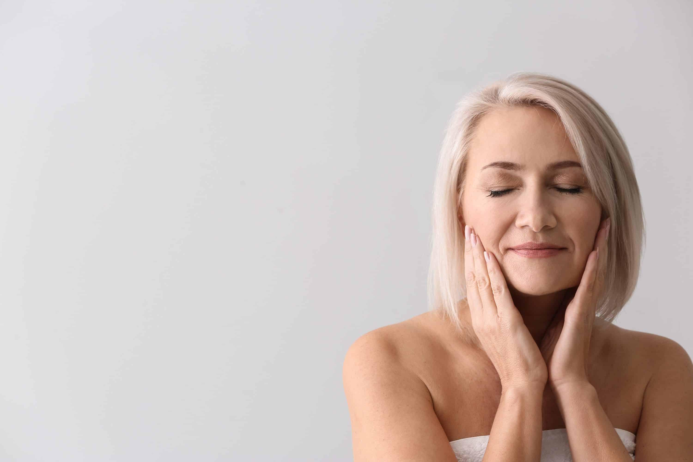 huile précieuse - massage du visage - secrets de miel - apithérapie - routine bien dormir - made in france